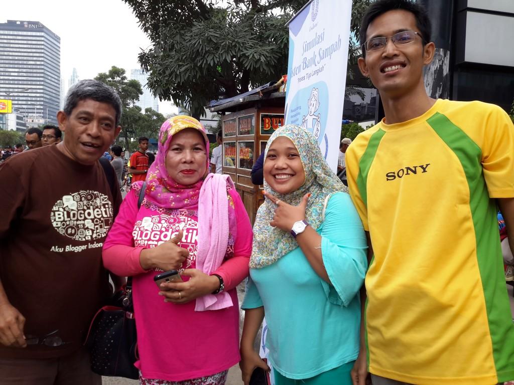 Dua pasang blogger suami isteri (foto Nur Terbit)