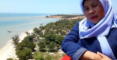 Di atas mercusuar Tanjung Kalian Pulau Bangka (foto : Nur Terbit)