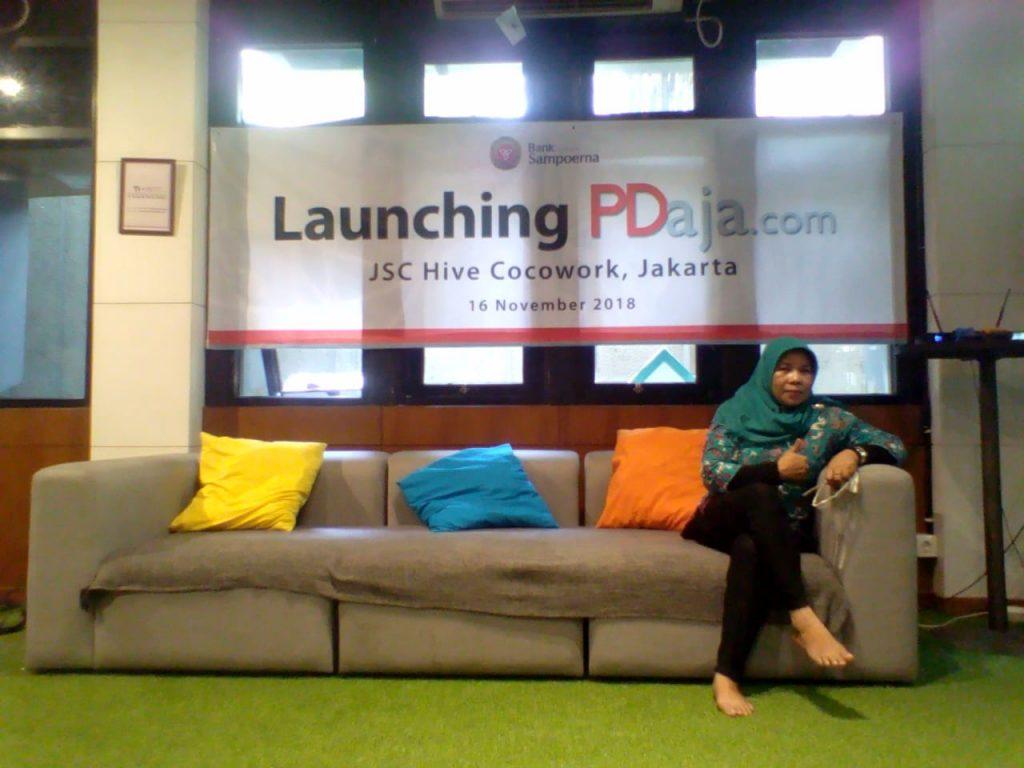 Mejeng sebelum acara launching PDaja.com (foto dok pribadi)